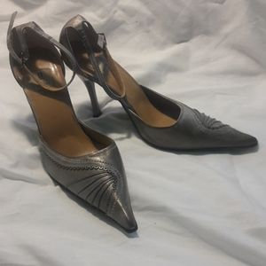 Bakers rita bronze heels stiletto 7 grey straps